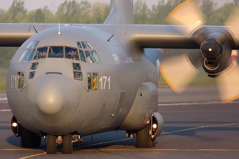 Military Transport Aircraft  Lockheed C 130 Hercules